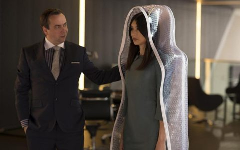 Humans Series 1 Episode 1 Channel 4 (wk25) handout .... L-R Salesman (Dan Tetsell) and Anita (Gemma Chan) Des Willie/Kudos/Channel 4 images must not be altered or manipulated in any way. This picture may be